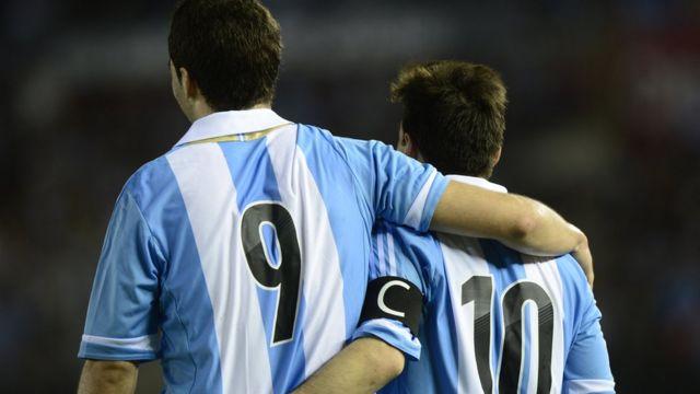 Higuaín y Messi