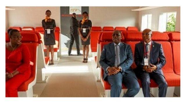 Le chef de l'Etat sénégalais, Macky Sall, a officiellement lancé ce mercredi le projet de construction du Train express régional (TER).