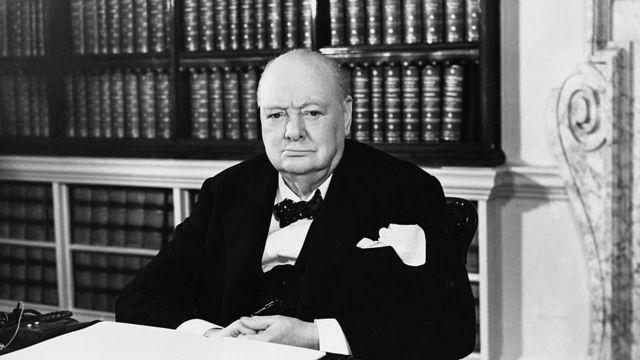Churchill'i ırkçılık karşıtlarının hedefi haline getiren açıklamaları neler? - BBC News Türkçe
