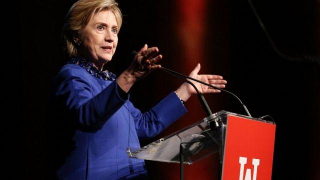 クリントン氏は選挙直前のコーミー長官の発表がなければ、自分が当選していたと発言している