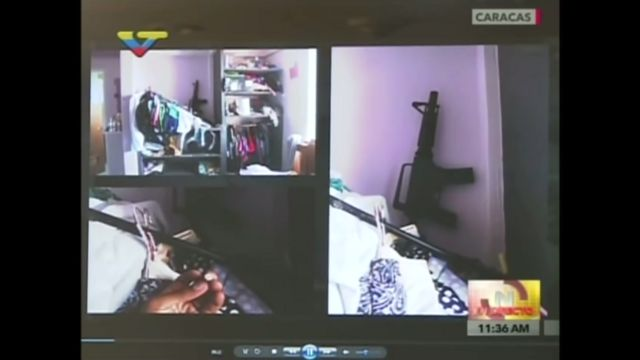 Las armas y municiones que las autoridades dijeron que hallaron en la residencia de la pareja en Ciudad Caribia.