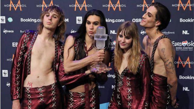 فرقة الروك الإيطالية مانسكين التي فازت بجائزة مسابقة يوروفيجن للأغنية الأوروبية