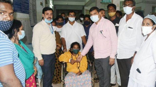 Até agora, exames descartaram relação entre covid-19 e onda de hospitalizações na Índia