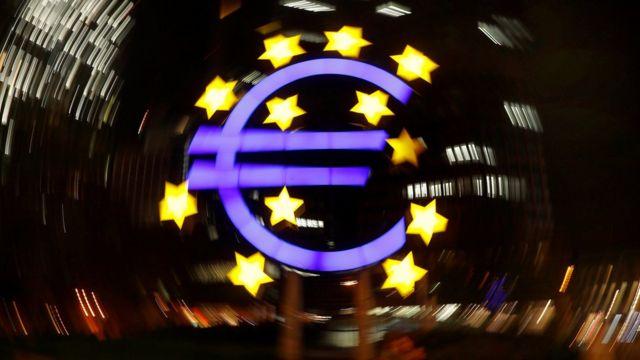Símbolo del euro en el Banco Central Europeo.