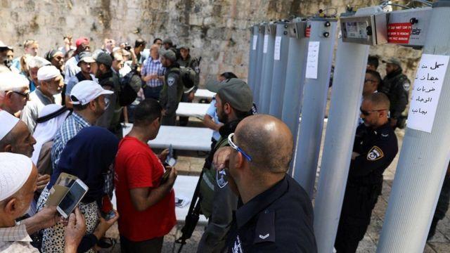 Falastiiniyiinta oo loo diidan yahay in ay gudaha u galaan misaajidka Al-Aqsa