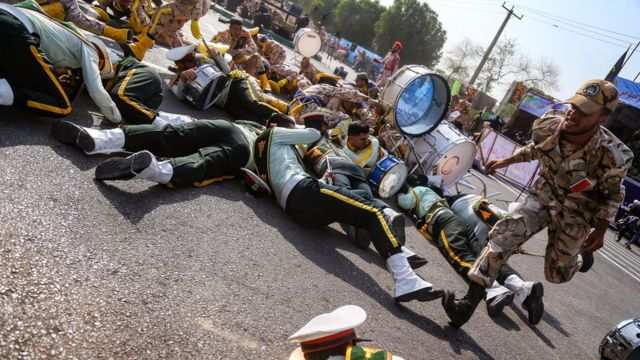 حمله به مراسم رژه در اهواز