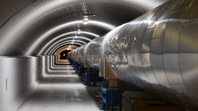 Detector de ondas gravitacionais na Itália