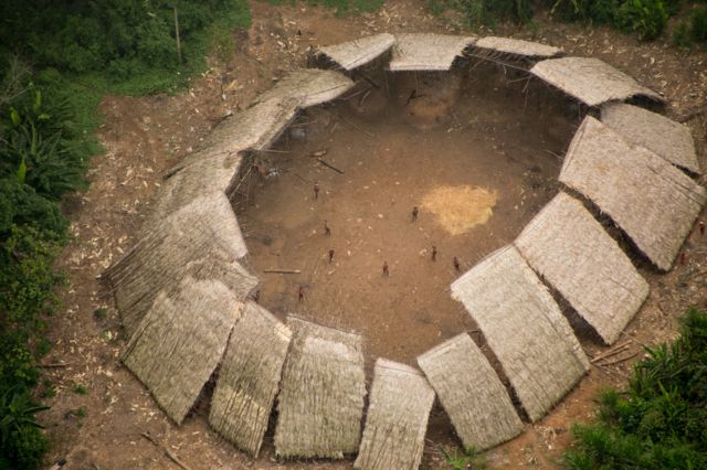 Índios isolados na Terra Yanomami