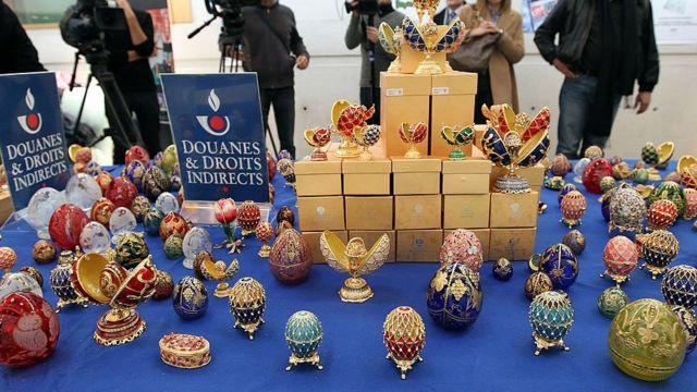 Сотни поддельных яиц Фаберже