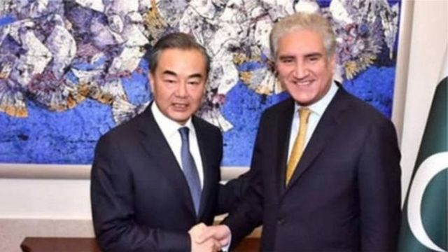 وزیرِ خارجہ شاہ محمود قریشی اور چینی وزیرِ خارجہ وانگ یی