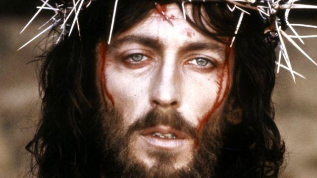 Qué Fue De La Vida De Robert Powell El Actor Que Interpretó A Cristo En La Icónica Serie Jesús De Nazaret Bbc News Mundo