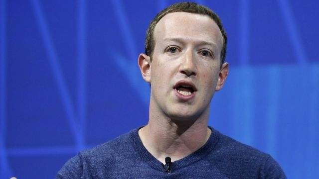 Facebook boss admits 'mistake' in handling of Pelosi clip