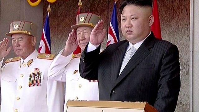 Kim Jong-un fi waahillan isaanii