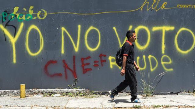 """Mural en caracas que dice: """"Yo no voto""""."""