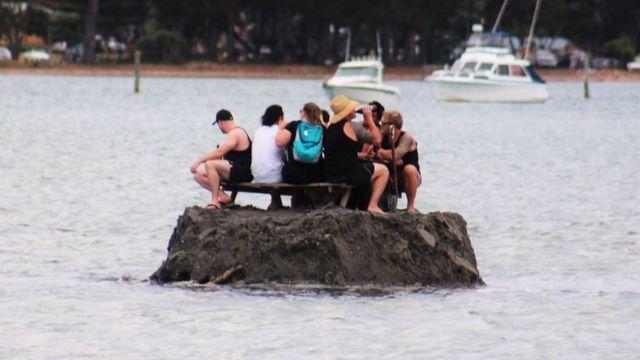 Насыпной остров у берегов полуострова Коромандел