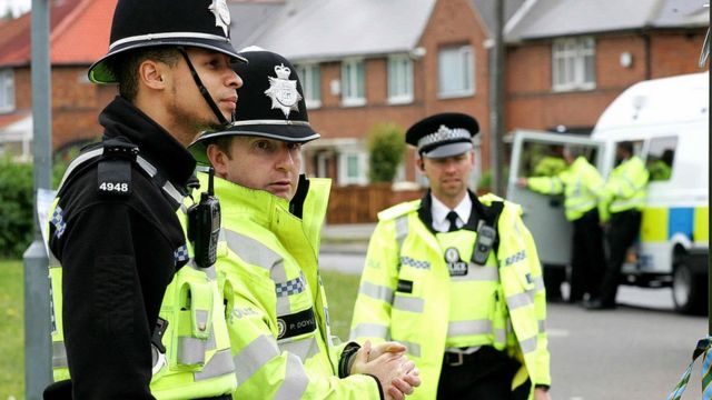 ضباط شرطة بريطانيون