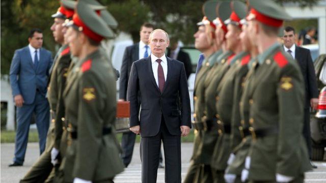 Путин и военные