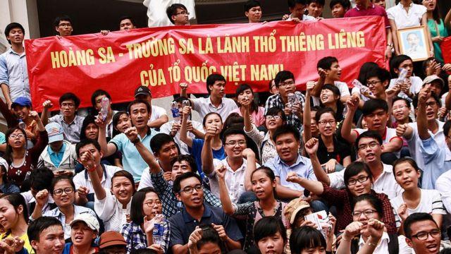 Vụ việc giàn khoan Hải Dương 981 đã làm nổ ra một loạt các cuộc biểu tình chống Trung Quốc trên khắp Việt Nam