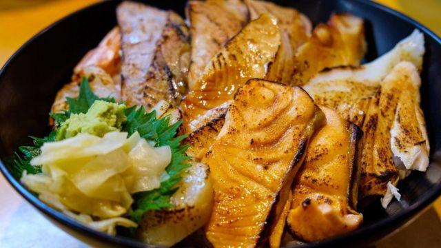 در ژاپن، از ادویههای مختلف برای خوش طعم کردن غذاها استفاده میشود