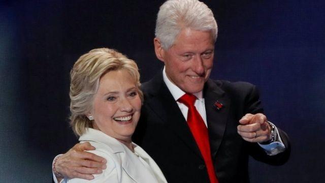 بیل کلینتون به همراه هیلاری