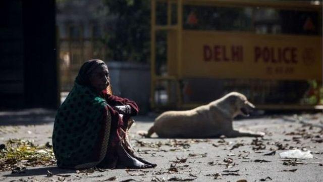 कोरोना वायरस: भूख बन गई है लोगों की समस्या - BBC News हिंदी