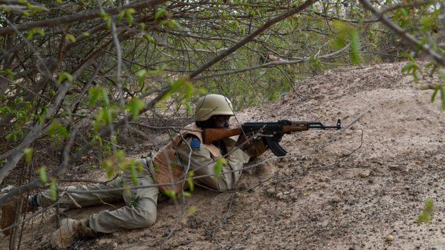 Un soldat burkinabè lors d'une formation