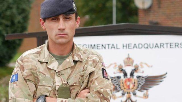 Las Vegas shootings: British soldier awarded for bravery