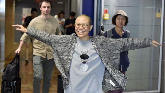 劉霞抵達赫爾辛基機場,轉機前往柏林。
