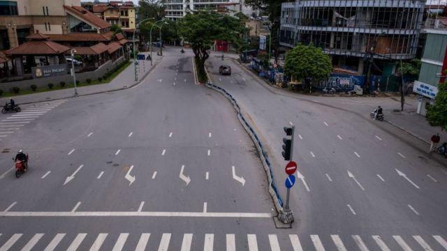 Hoạt động kinh tế ở Việt Nam chưa quay lại bình thường do virus corona