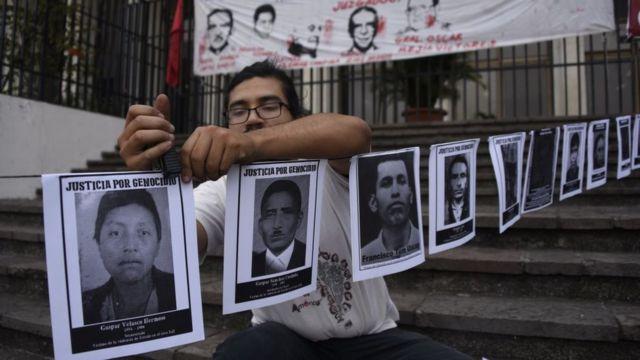 Carteles de personas desaparecidas en el conflicto armado de Guatemala