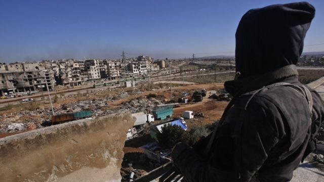 مقاتل من انصار الحكومة السورية