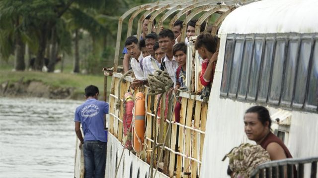 တိုက်ခိုက်မှုတွေ ဖြစ်ခဲ့ချိန်က မောင်တောကနေ စစ်တွေကို ရောက်လာခဲ့တဲ့ ဒုက္ခသည်များ