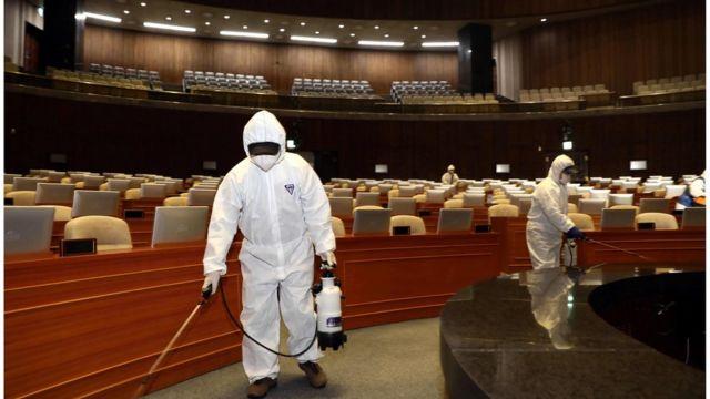韓國國會亦需要消毒。