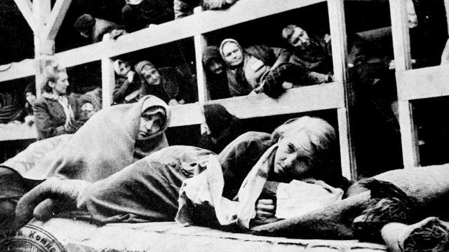 Žene u Aušvicu ubrzo posle ulaska sovjetskih trupa, 1945