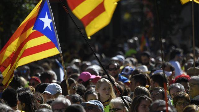 スペイン・バルセロナで11日に開かれた独立支持派の集会で