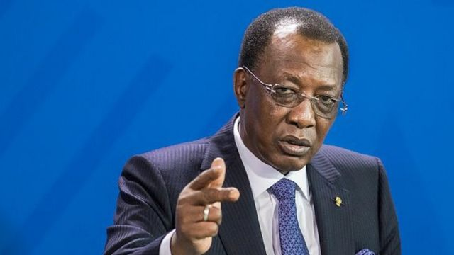 Le président tchadien Idriss Deby a signé vendredi un décret limogeant son ministre des finances et du budge