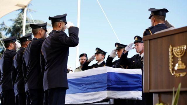 ادای احترام نظامی برای شیمون پرز