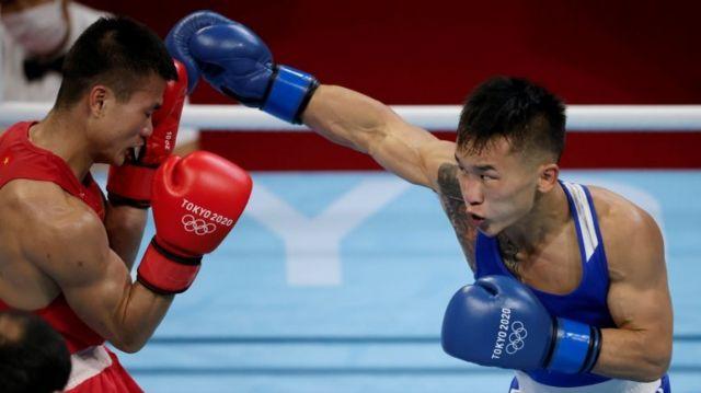 Erdenebat Tsendbaatar của Mông Cổ đấu với Nguyễn Văn Đương của Việt Nam
