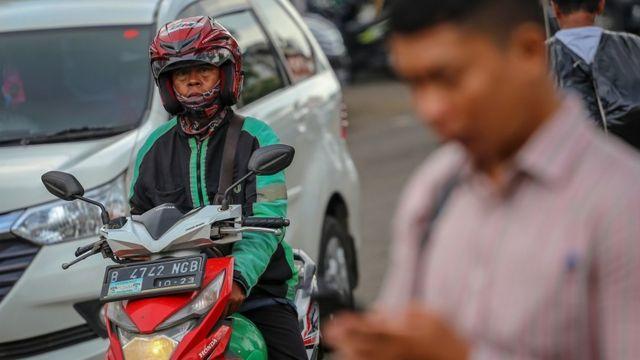 Virus Corona Anies Baswedan Rilis Pergub Soal Psbb Di Jakarta Dari Wfh Sampai Ojek Bbc News Indonesia