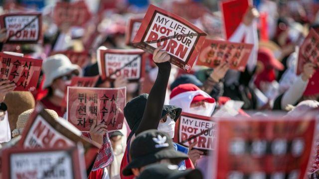 Pegiat protes
