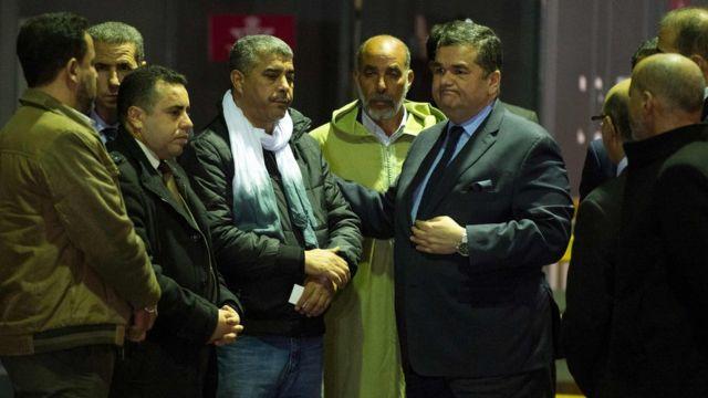 سفير تركيا في المغرب مع أقارب أحد الضحايا