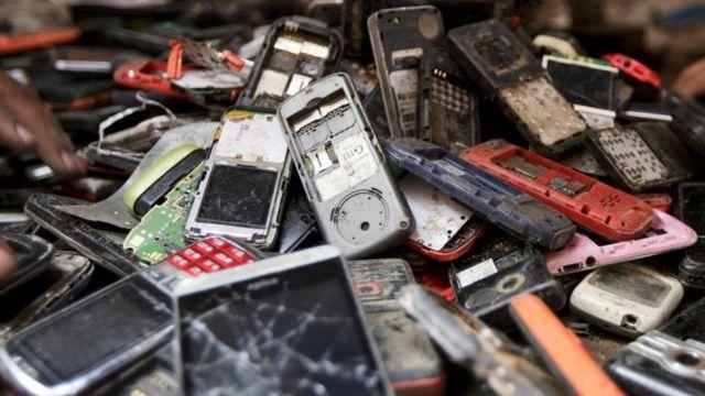 पुराने मोबाइल फ़ोन
