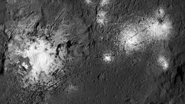 Dawn spies new detail in Ceres' bright spots
