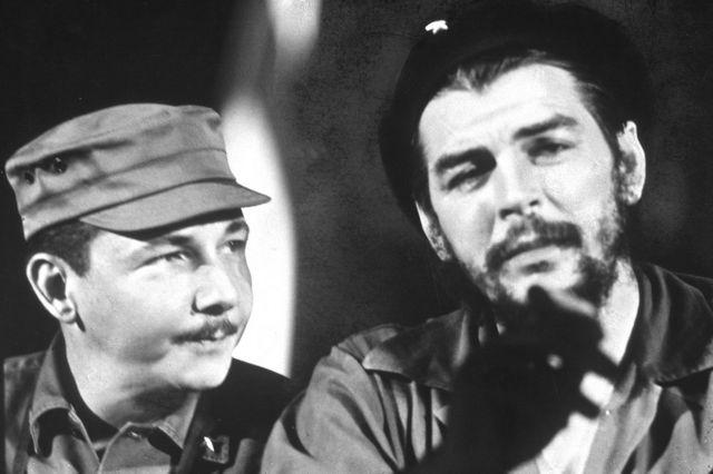رائول کاسترو نخستین بار با چهگوارا در مکزیک آشنا شد