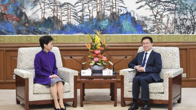 韩正会见香港行政长官林郑月娥。
