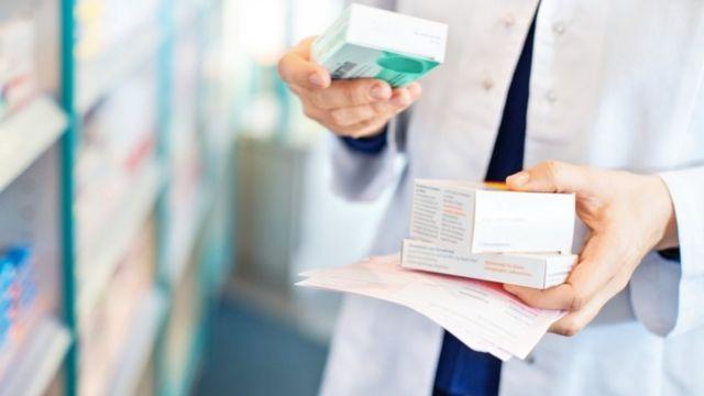 farmacet s lekovima