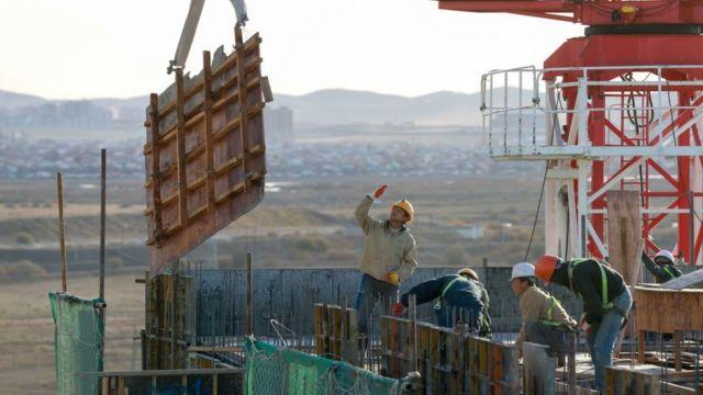 Северокорейские рабочие на стройке в Монголии