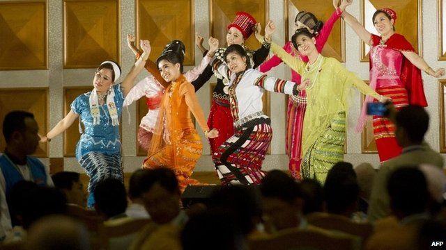 traditional Myanmar performers