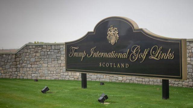 Trump tiene campos de golf en Irlanda.