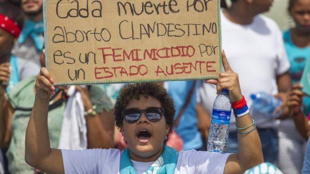 Marcha a favor de la despenalización del aborto en República Dominicana